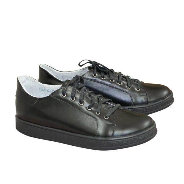 Детские черные кожаные мокасины на шнуровке