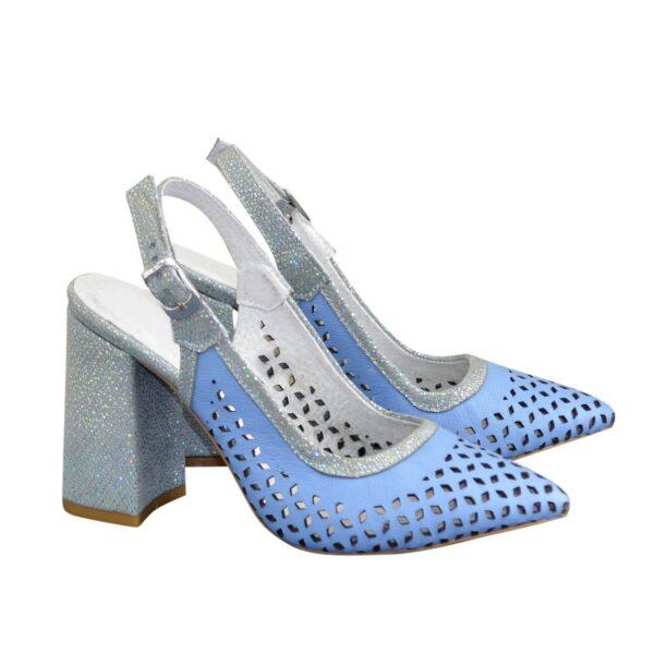 Туфли кожаные на устойчивом каблуке, цвет голубой