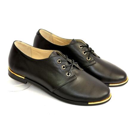 Туфли женские кожаные низкий ход, черного цвета на шнуровке