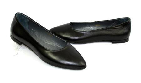 Женские кожаные туфли-балетки черного цвета на мини каблучке