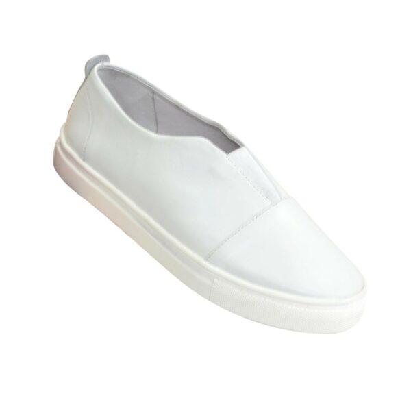Женские кожаные белые мокасины на утолщенной белой подошве