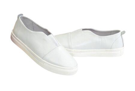 Женские кожаные белые кеды на утолщенной белой подошве