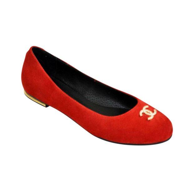 Туфли женские красные замшевые, декорированы фурнитурой