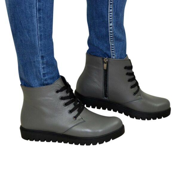 Ботинки демисезонные женские серые кожаные на шнуровке, утолщенная подошва