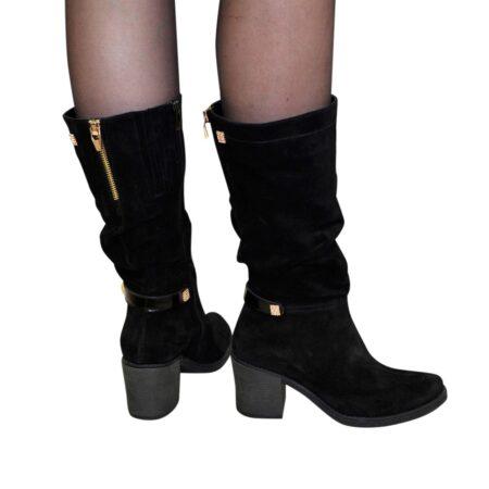 Сапоги женски замшевые черные на устойчивом каблуке, декорированы лаковым ремешком и фурнитурой
