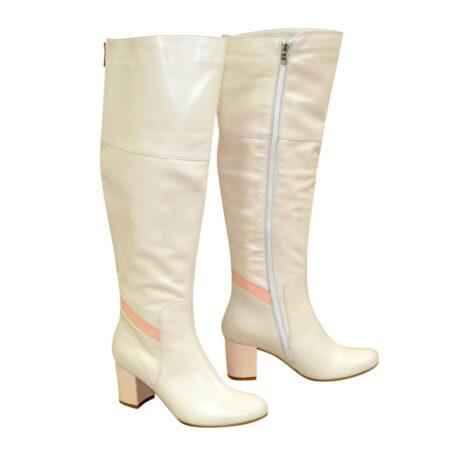 Ботфорты бежевые кожаные на устойчивом каблуке, осень зима