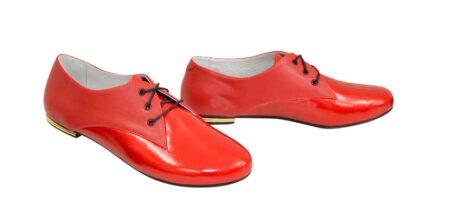 Туфли женские низкий ход красные кожа+лак, на шнуровке
