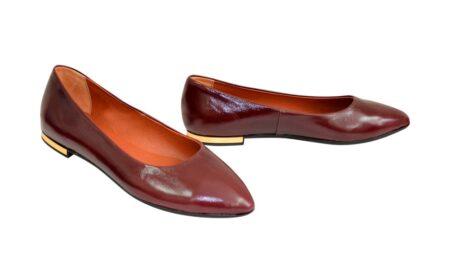 Женские лодочки из натуральной кожи с заостренным носком на плоской подошве мини-каблучок, цвет бордовый