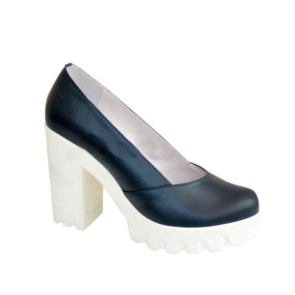Туфли женские на тракторной подошве, натуральная кожа синего цвета
