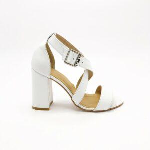 Белые кожаные женские босоножки на высоком каблуке обтянутом белой кожей