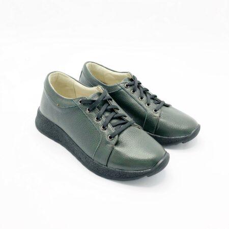Женские кроссовки кожаные зеленого цвета, на облегченной подошве