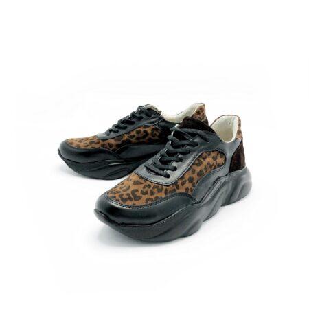 Стильные женские кроссовки комбинированные кожей леопард