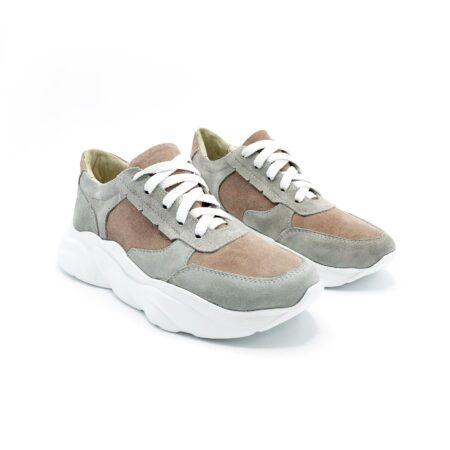 Женские молодежные замшевые кроссовки на стильной подошве, цвет пудра+серый