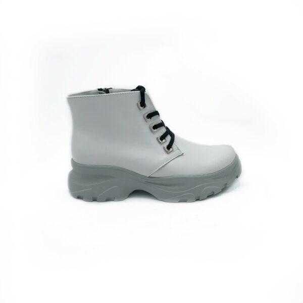 Стильные белые женские кожаные ботинки на низком ходу, демисезон зима