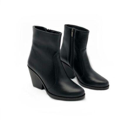 Ботинки казаки женские кожаные черные демисезон зима, на устойчивом каблуке
