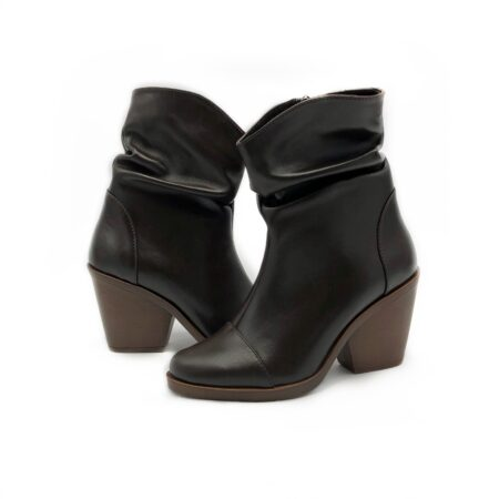 Казаки женские кожаные коричневые на устойчивом каблуке, зима демисезон