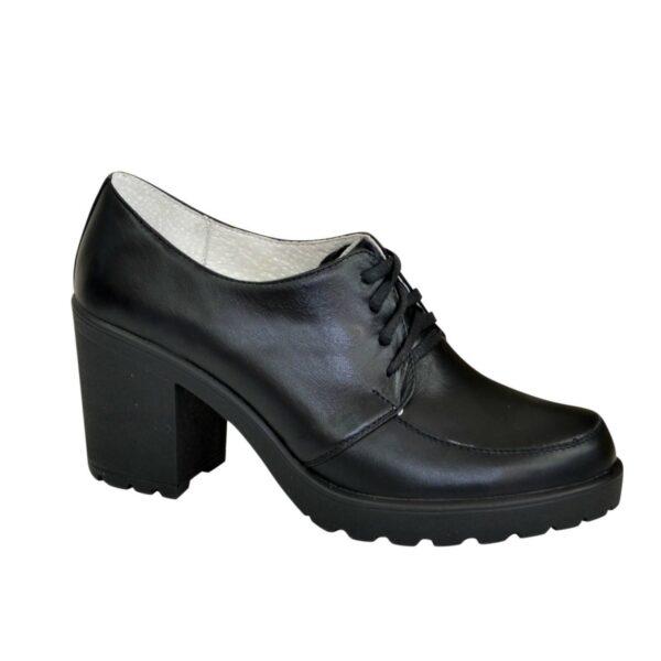 Женские черные кожаные туфли на шнуровке