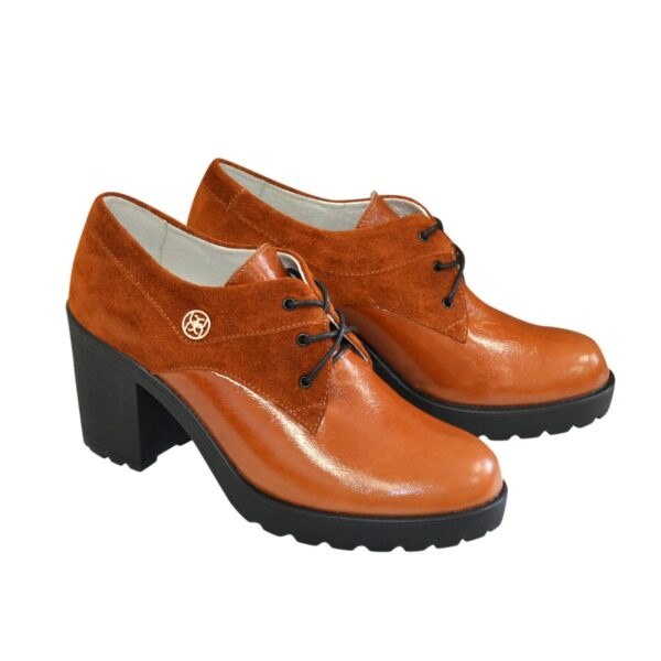 Туфли женские рыжие на шнуровке, из натуральных материалов