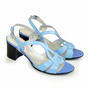 Босоножки женские голубые кожаные на невысоком каблучке