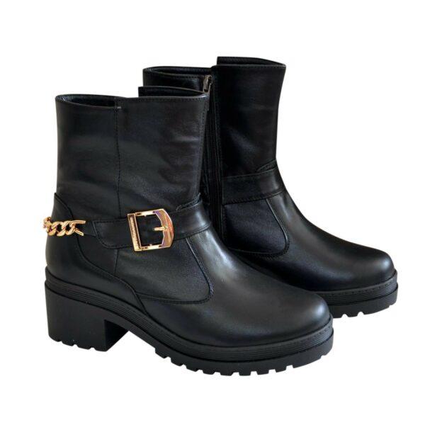 Ботинки кожаные черные женские зимние на устойчивом каблуке, декорированы цепью и ремешком