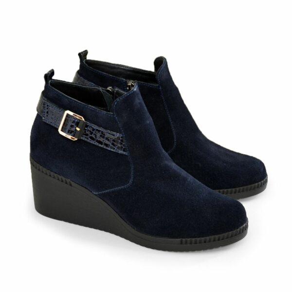 Ботинки женские демисезонные замшевые на танкетке, цвет синий