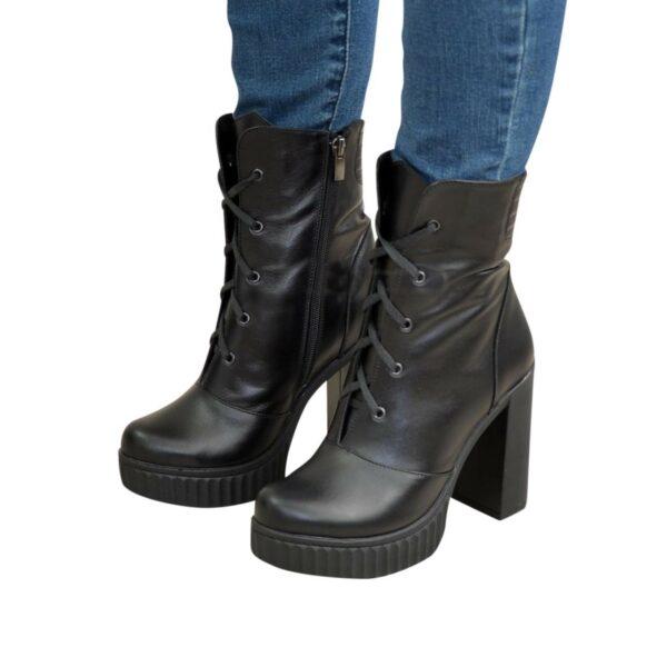 Ботинки демисезонные  кожаные на высоком устойчивом каблуке, цвет черный