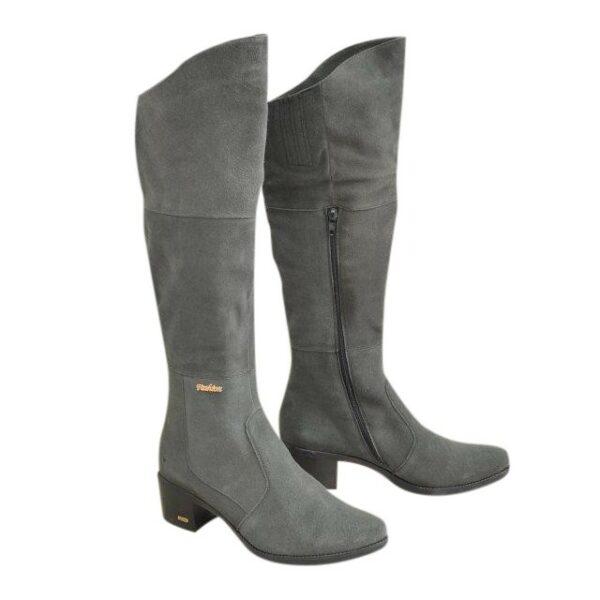 Женские зимние ботфорты на невысоком каблуке, из натуральной замши серого цвета