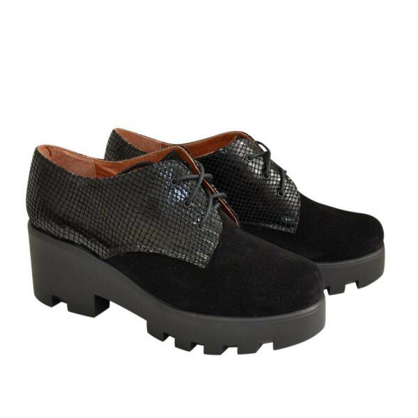 Стильные женские замшевые туфли на тракторной подошве
