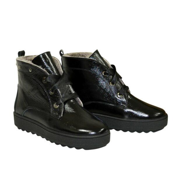 Ботинки женские зимние лаковые черные на утолщенной подошве