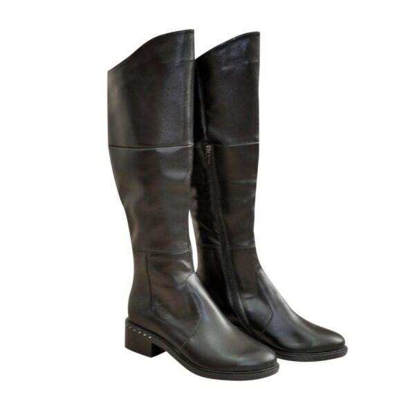 Женские зимние кожаные ботфорты на невысоком каблуке