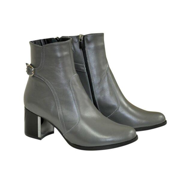 Ботинки кожаные демисезонные на невысоком каблуке, цвет серый