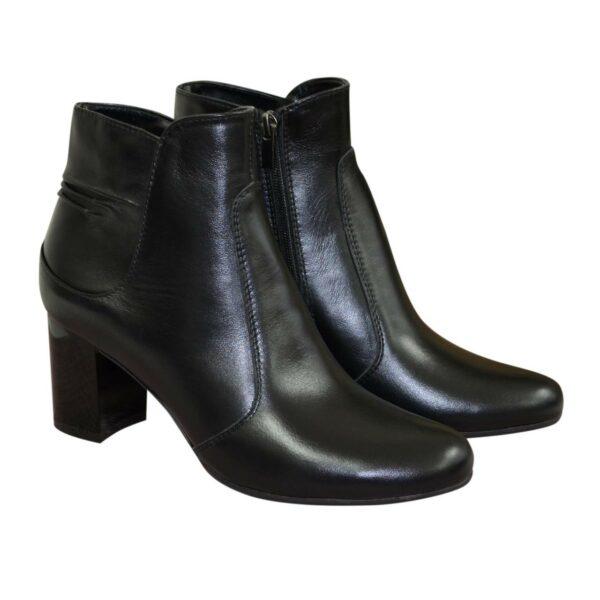 Полуботинки женские кожаные демисезонные на невысоком каблуке