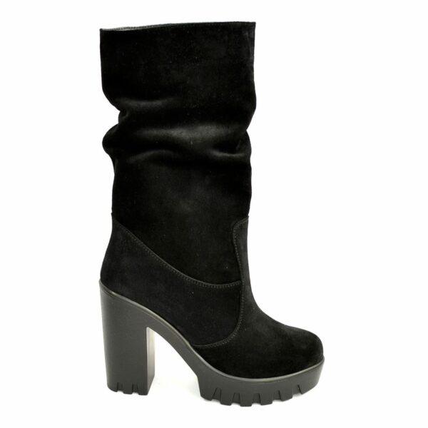 Ботинки замшевые зимние на высоком каблуке