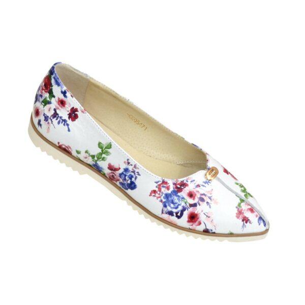 Женские кожаные туфли-балетки на низком ходу, с заостренным носком, декорированы фурнитурой