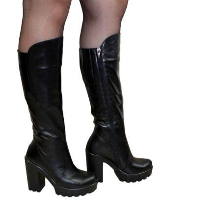 Женские кожаные зимние сапоги на высоком устойчивом каблуке, цвет черный