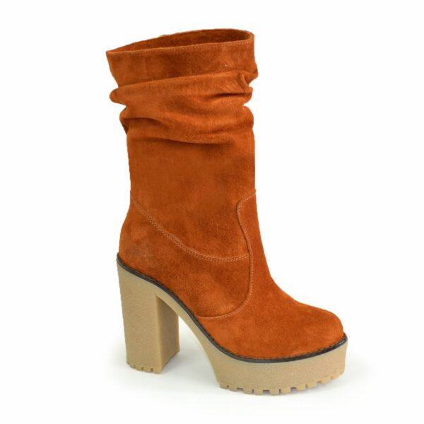 Ботинки замшевые зимние на высоком каблуке, цвет рыжий