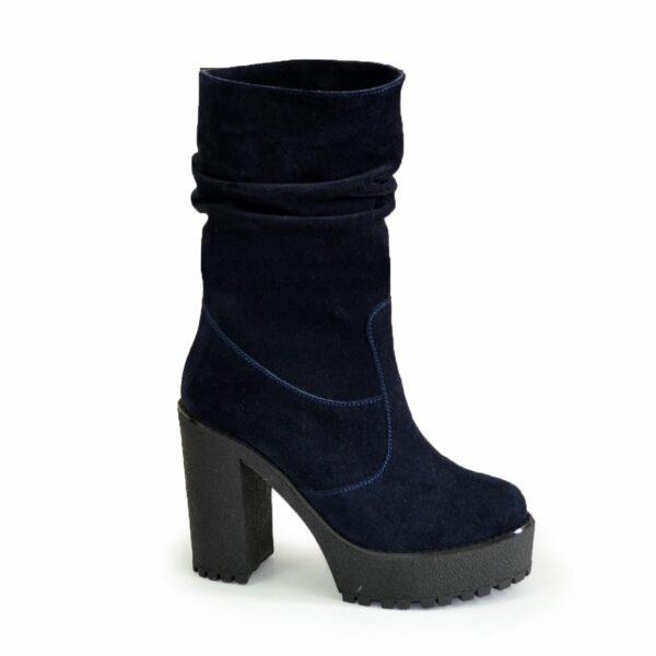 Ботинки замшевые зимние на высоком каблуке, цвет синий