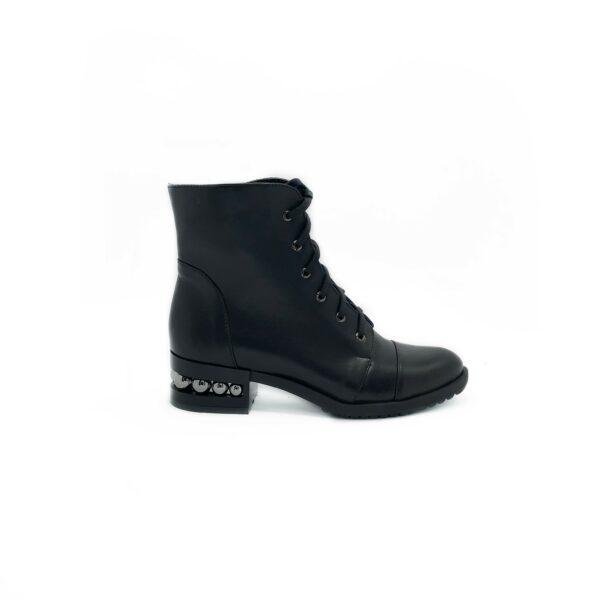 Женские кожаные ботинки на устойчивом каблуке