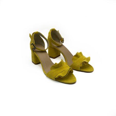 Босоножки женские замшевые желтые на не высоком устойчивом каблуке