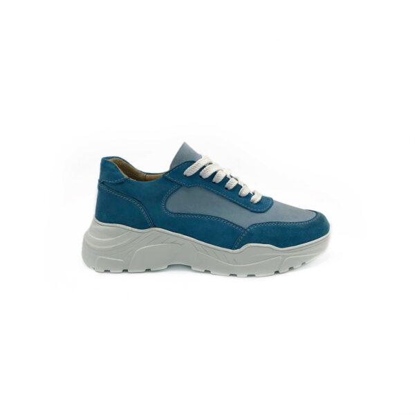 Кроссовки женские замшевые голубого цвета