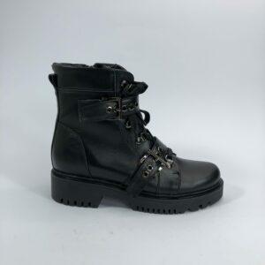 Ботинки женские черные кожаные с пряжками на утолщенной подошве