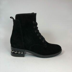 Женские замшевые черные ботинки на широком каблуке