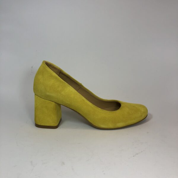 Женские туфли лодочки замшевые желтые на устойчивом каблуке