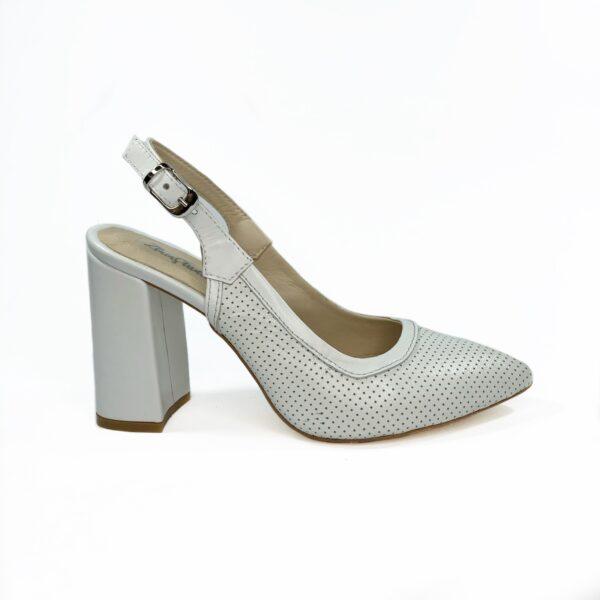 Женские белые кожаные босоножки на устойчивом обтяжном каблуке