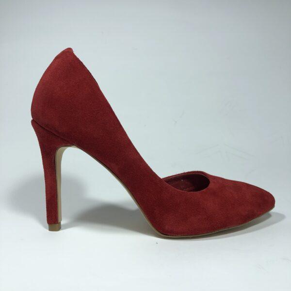 Красные замшевые туфли на высокой обтяжной шпильке