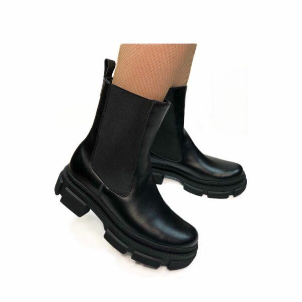Ботинки женские кожаные черные с резинками