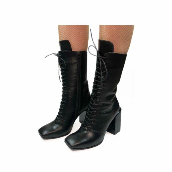 Женские ботинки из натуральной кожи черного цвета на устойчивом каблуке