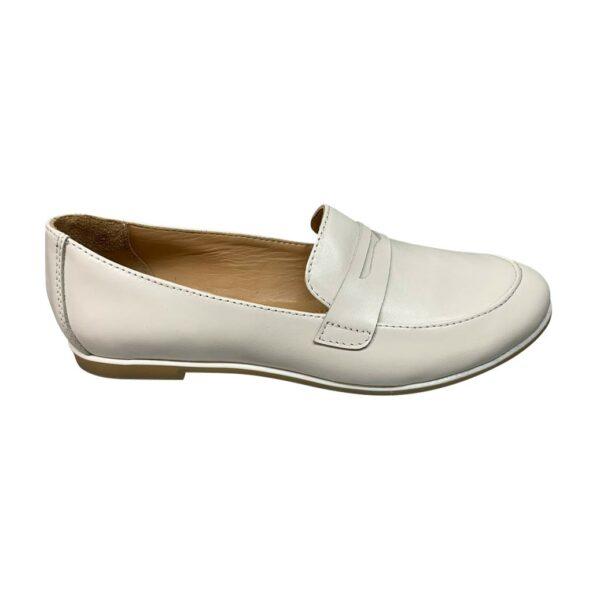 Белые женские туфли кожаные на низком ходу