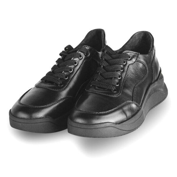 Женские кроссовки черные кожаные на облегченной танкетке