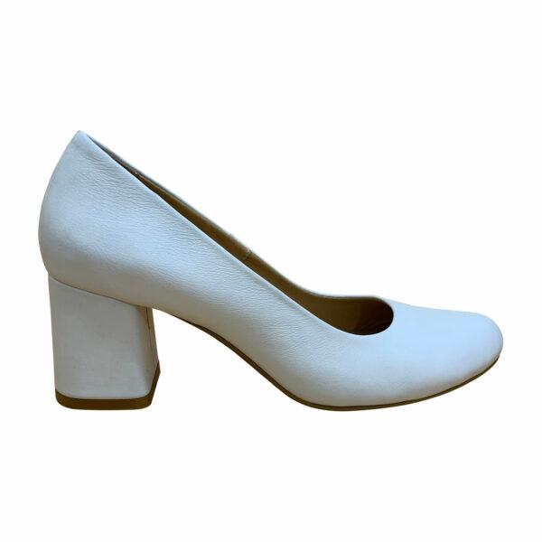 Женские белые туфли лодочки на устойчивом каблуке